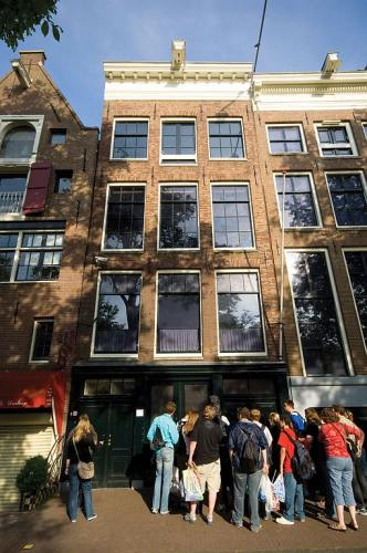 Tourists In Front Of Anne Frank House