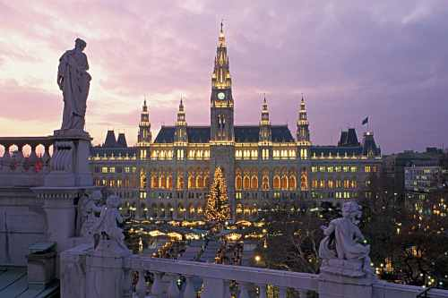 Christmas Market in Vienna (c) Austrian Tourist Office