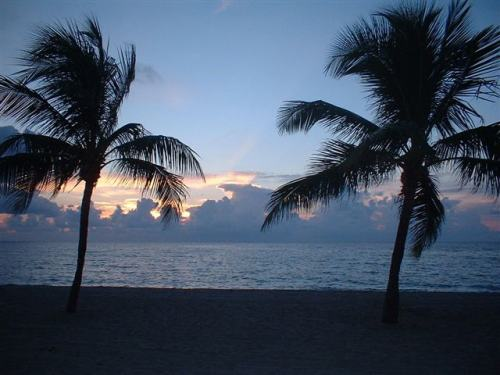 Sunrise at Fort Lauderdale Beach, photo by Wikimedia Commons