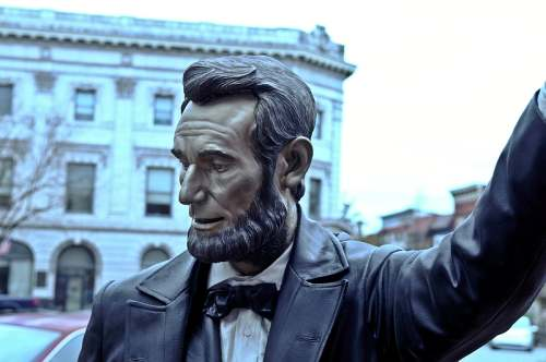 Lincoln Square, Lincoln Statue, photo by Mike Keenan