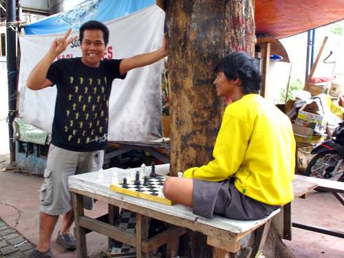 Side Street Chess Match