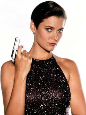 Carey Lowell as Pam Bouvier in License to Kill (1989)