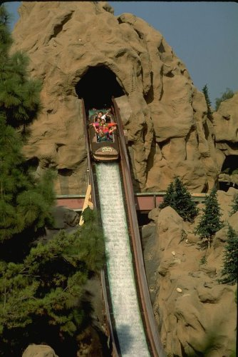 Knotts Berry Farm, log ride