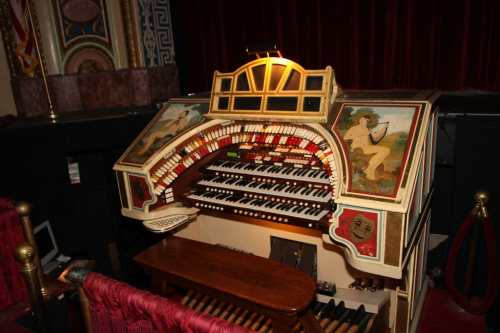 The Mighty WurliTzer Pipe Organ