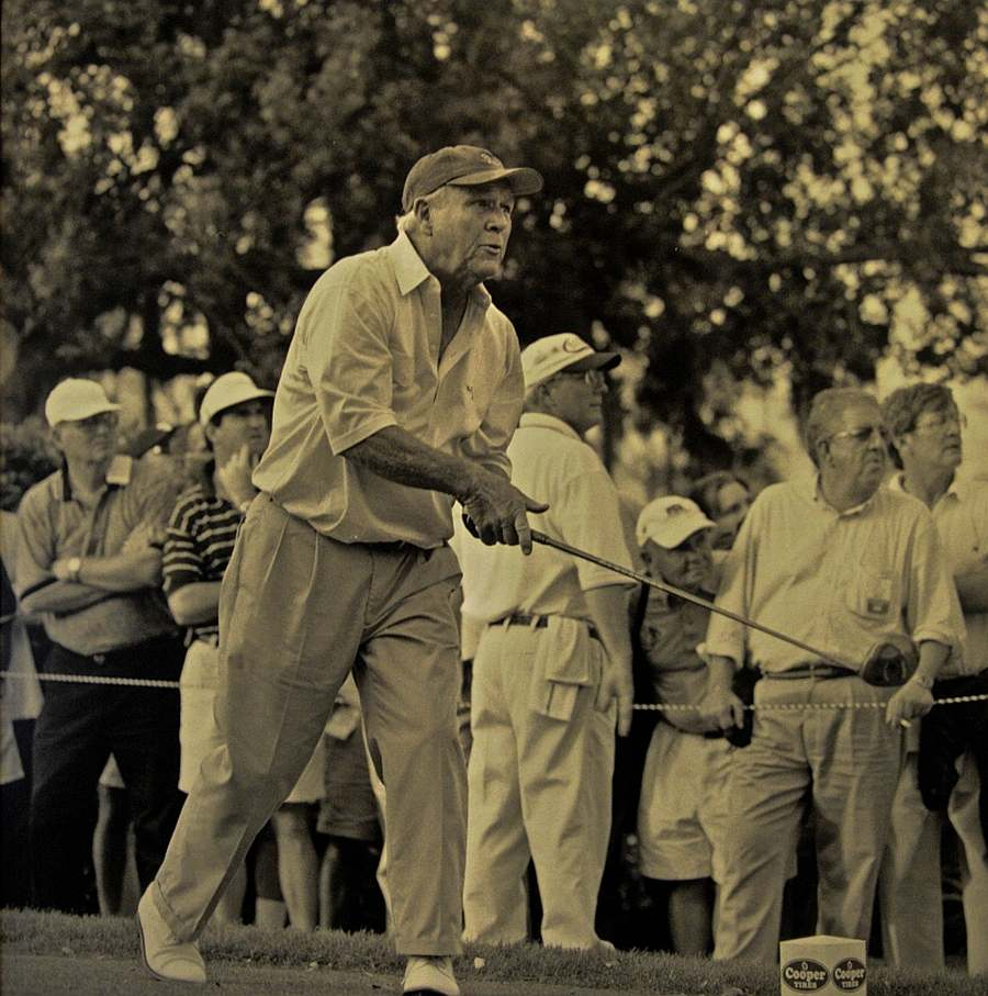 Arnold Palmer T-shot, photo by Mike Keenan