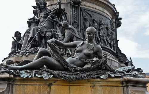 Detail, Fountain at Philadelphia Museum of Art, photo by Mike Keenan