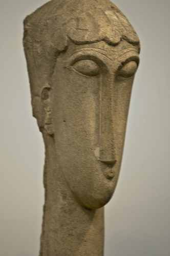 Metropolitan Museum of Art, Head of a Woman in limestone by Modigliani, photo by Mike Keenan