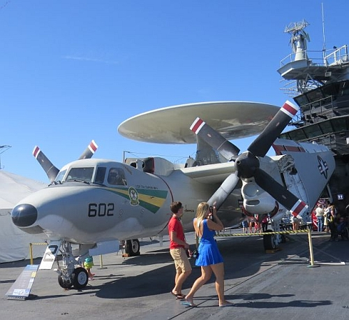E-2 Hawkeye, early warning aircraft, USS Midway, photo by Mike Keenan