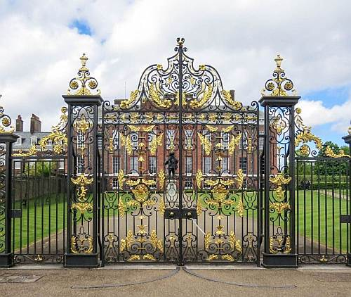 Kensington Palace Golden Gates photo by Mike Keenan