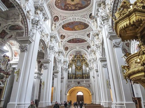St. Stephans Cathedral, Passau, photo by Mike Keenan