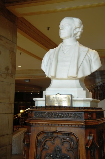 Laurier Bust, Lobby, Château Laurier Hotel, photo by Mike Keenan