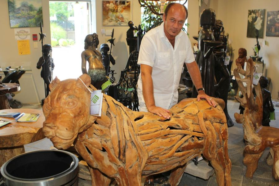 Gerry Walker of Irongate Garden Elements show us a one of a kind Teak Wood Tiger