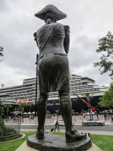 Captain Bligh Sculpture at Sydney Harbour, photo by Mike Keenan