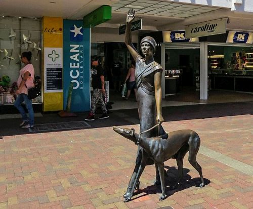 Downtown sculpture, Napier, New Zealand, photo by Mike Keenan