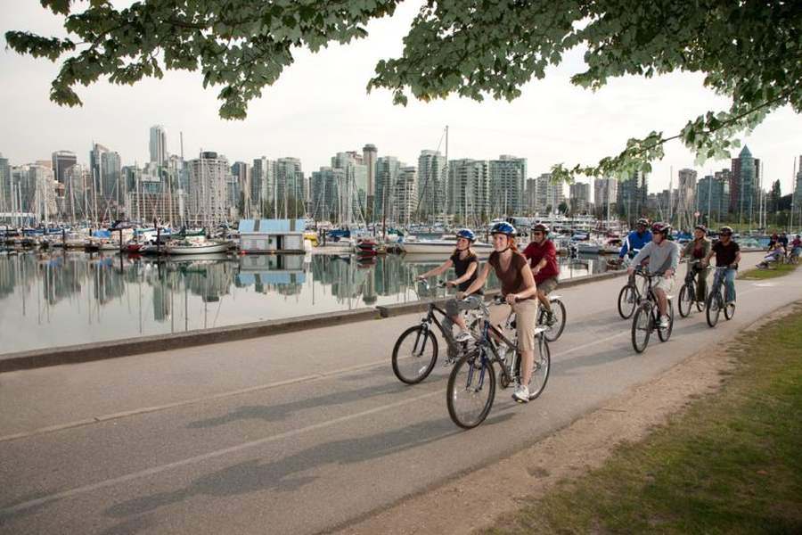 Group Cycling on the Seawall