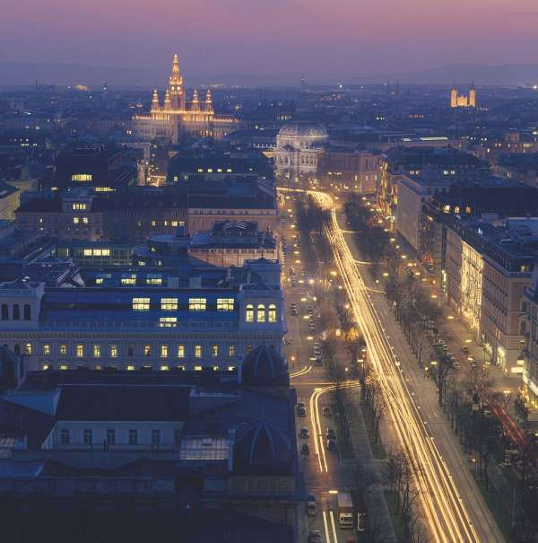 The Ring Boulevard over the roofs of Vienna, Austrian Tourism Office